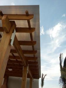 Pergolas, Playa Caracol