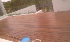 Deck de almendro, Rio Mar Villas